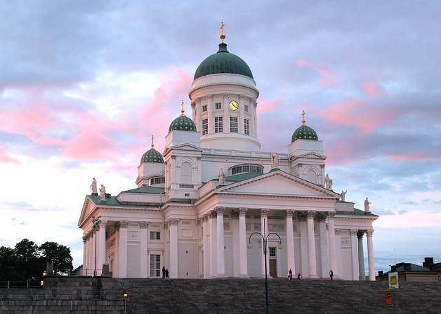 Suomalainen arkkitehtuuri kiehtoo turisteja